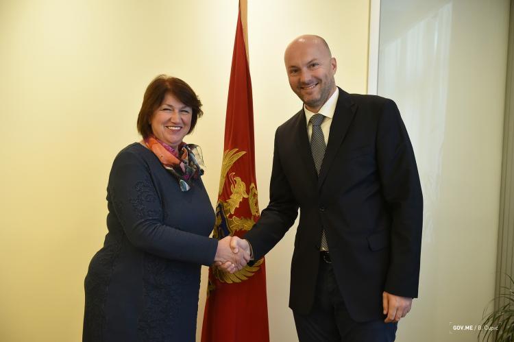 Ministrica Marija Vučinović i veleposlanik Slovačke Roman Hlobenj